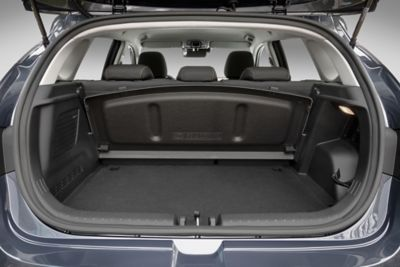 Close-up of the boot of the all-new Hyundai i20 with boot cover stored behind the rear bench