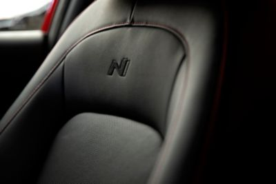 The sporty seats of the all-new Hyundai Kona N Line in leather, cloth or suede with the N Logo.