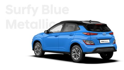 The Hyundai KONA Electric with the exterior colour Surfy Blue Metallic.