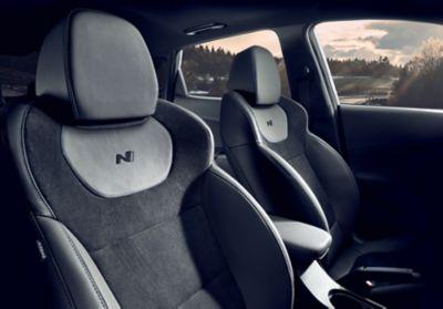 Driver and passenger sport seats inside the Hyundai KONA N hot SUV